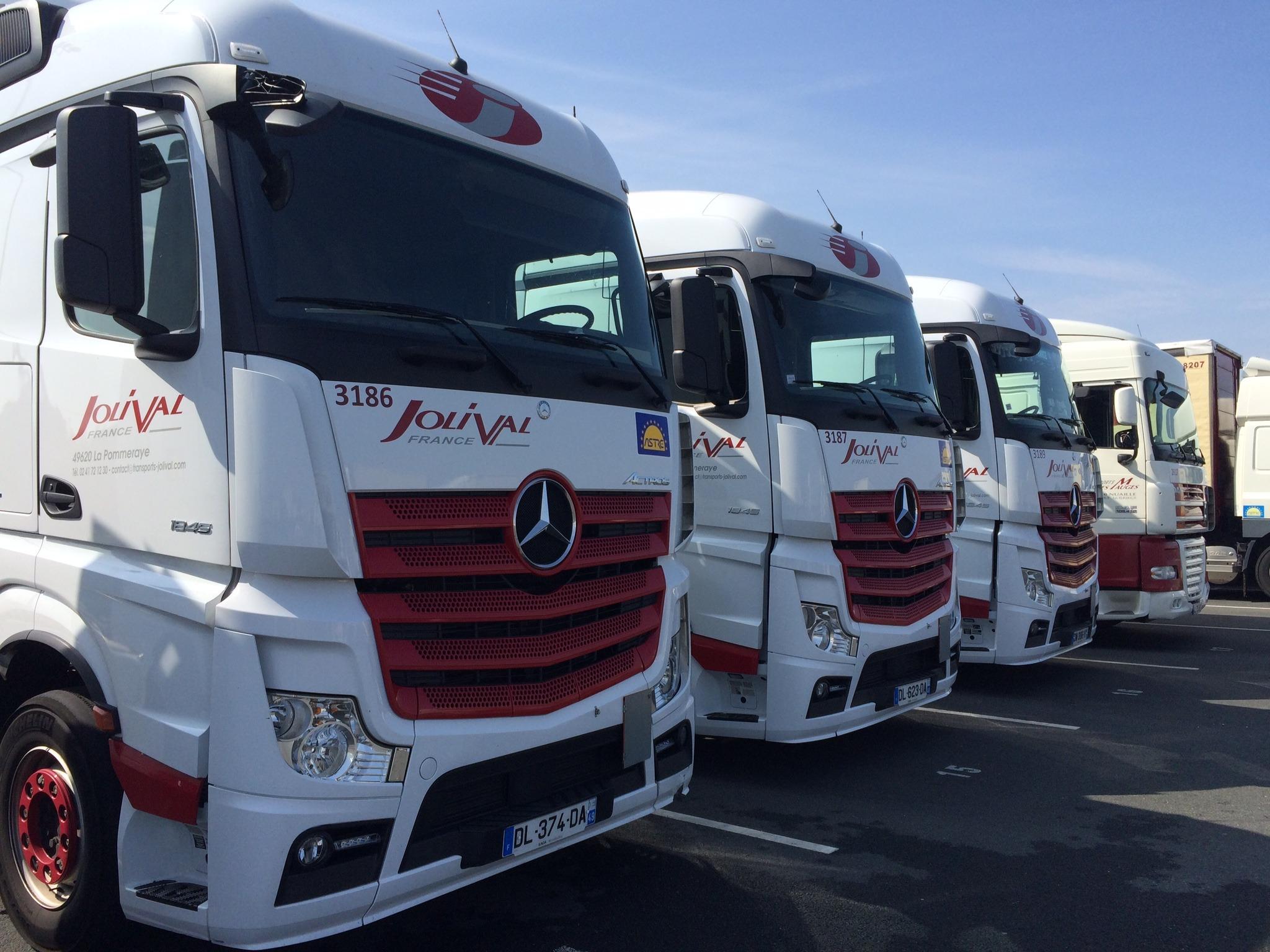camions-mercedes-2010-jolival